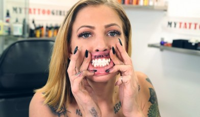 /tour/content/MyTattooGirls_New/Leah_Luv-MTG/MTG00090_Leah_Luv_Lip_Tattoo-MTG/5.jpg